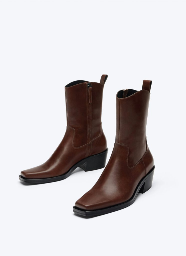The Boots That Will Fit Perfectly With Your Autumn Jeans. Uterqüe Leather Ankle Boots.