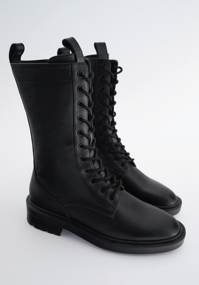 Combat Boots: These Are The Ones We Recommend. Lace-up flat leather ankle boots from Zara