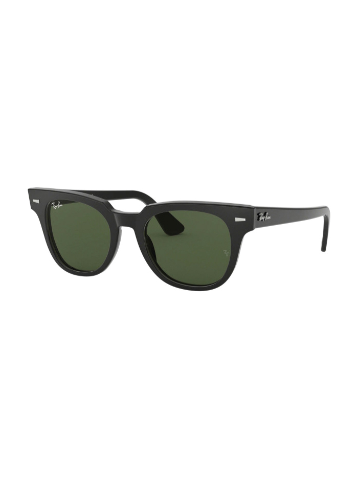 The Accessory That Will Make Everything Look Cooler In The Summer: sunglasses from Ray-Ban, Meteor Classic.