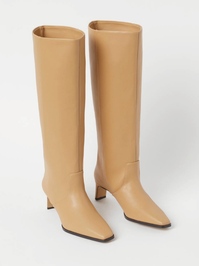 The Boots Everyone Will Wear For The Next Months. High Boots from H&M.