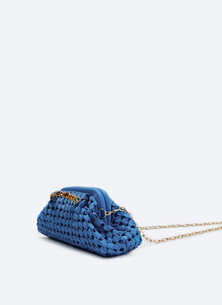 BLUE BRAID HANDBAG WITH JEWERLY AND GOLDEN CHAIN from UTERQUE