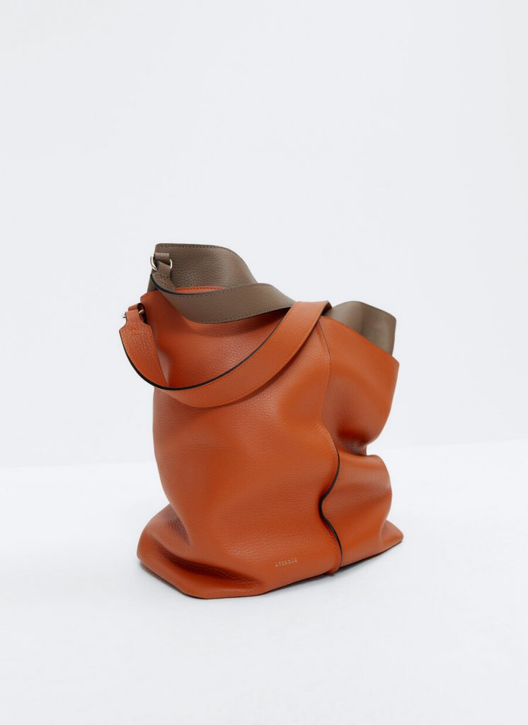 SHOULDER AND LEATHER WITH SEWING  from UTERQUE