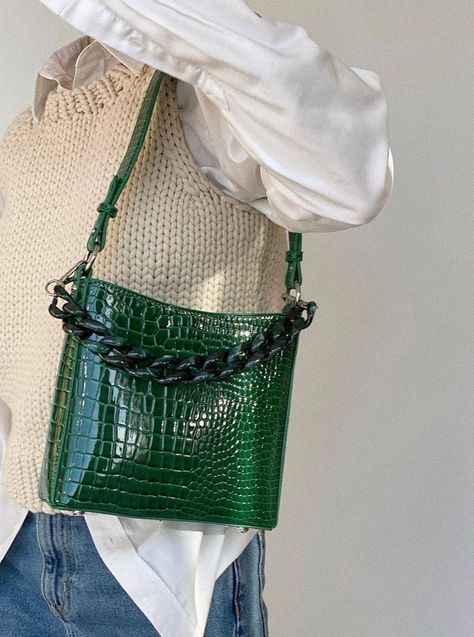 GREEN LEATHER HANDBAG WITH BLACK CHAIN  from WHO WHAT WEAR UK