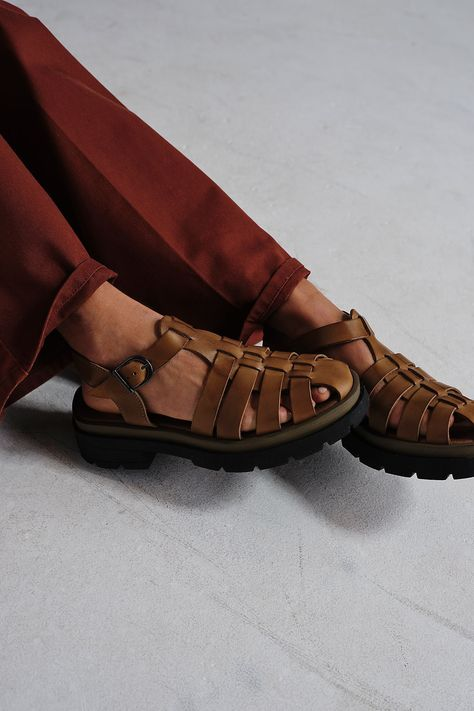 BROWN FISHERMAN SANDALS from PINTEREST