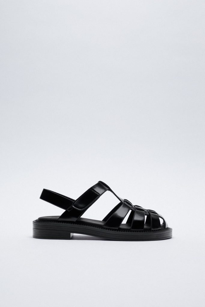 BLACK FLAT CAGE SANDALS from ZARA