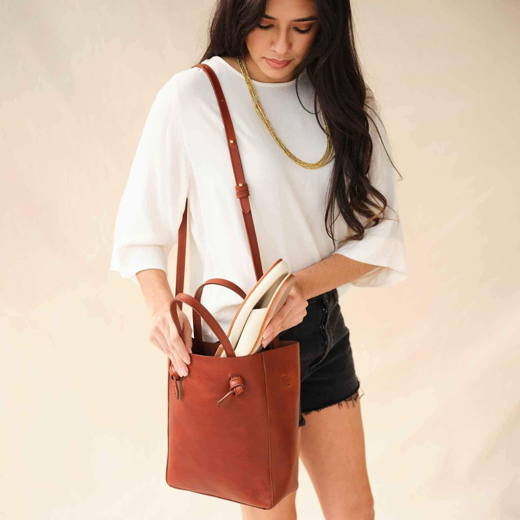 VEGETABLE-TANNED LEATHER TOTE from NISOLO